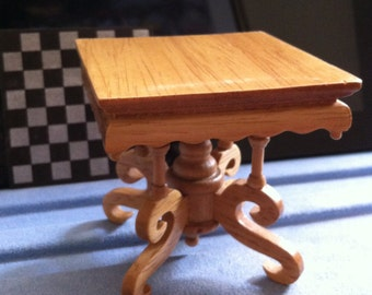 Victorian Lamp Table,Dollhouse Chess Table,Convertible Lamp Table, Lt.Oak Color