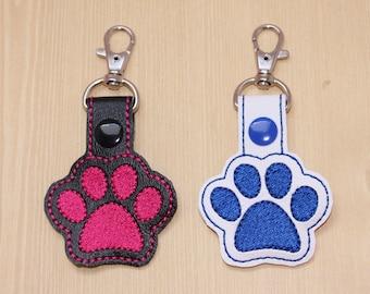 Paw print snap tab, Filled paw print keychain, Pet themed gift, Pet paw print key fob, Paw print vinyl key snap tab