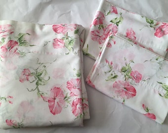 Vintage Pequot 1960s 70s Pink Green Floral Percale Full Flat Sheet 2 Standard Pillowcases Set
