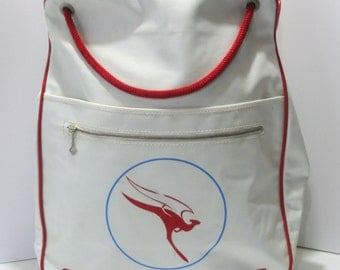 Vintage Vinyl QANTAS Airways Airlines Retro Souvenir Flight Tote Bag White Logo Zipper Travel Shoulder Cabin Bag Overnight Carry On Luggage