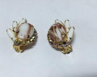D&E aka Juliana Milk Glass with Gold Earrings  Item: 110002