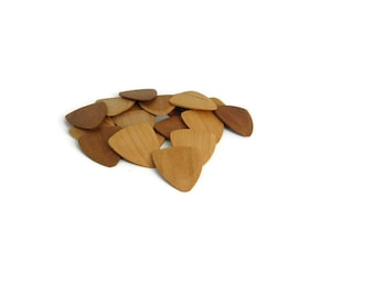 Cherry Wood Guitar Pick (Single Pick)