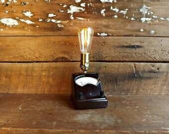 Industrial lamp Edison light Steampunk lamp Bedside lamp Vintage gauge lamp Table lamp Desk lamp Night light Bakelite lamp