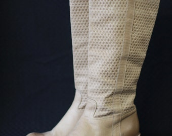 Vintage nude beige textured leather mid calf low heel boots Size 38 US 8