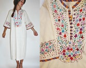 1960s / 1970s Embroidered Floral Linen Bohemian Caftan