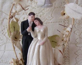 Vintage Wedding Cake Topper 1947 Wedding Vintage Cake Topper.Wedding Vintage Centerpieces.Shabby Chic Wedding Decor.Bride and Groom.
