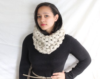 Thick crochet scarf in oatmeal -  Bubble cowl - Crochet  Cowl,  Womens wool scarf, Textured cowl