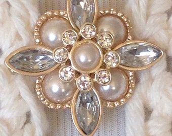The mattie faux pearl rhinestone and gray stone sweater clip brooch