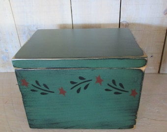 Primitive Recipe Box, Index Cards, Colonial Stencil - Hinged Lid
