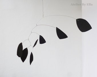Abstract Black Hanging mobile, Kinetic mobiles, 7 elements
