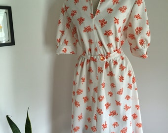 70's Puff Sleeve Babydoll Day Dress White with Red Daisies L XL