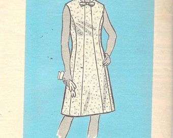 "Vintage 1970's Marian Martin 9039  Paneled Dress with Stand Up Collar Sewing Pattern Size 40 Bust 44"" UNCUT"