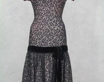 1960s Vintage Party Dress Wiggle Rockabilly Black Lace Gathered Bottom