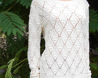 Fantastic Tommy Hilfiger Cosmic Latte White Color Popcorn/Diamond Style Knit Pullover Sweater, 100% Cotton, Women's Size Medium