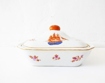 Make an offer :) - Vintage 18th-Century Armorial Chinese Export Porcelain-Style Hand-Painted Vegetable Server / Covered Casserole