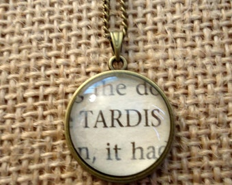 TARDIS Book Page Necklace - Doctor Who