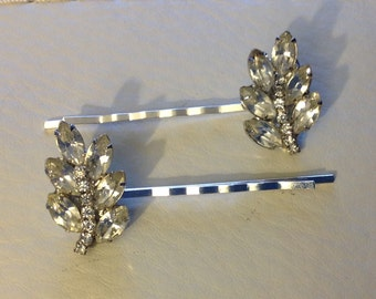 CAVIAR DREAMS Vintage Clear Rhinestone Leaf or Feather Pair of Hair Bobby Pins - Etsy andersonhs