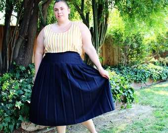Plus Size - Vintage Navy Pleated Midi Skirt (Size 20W)