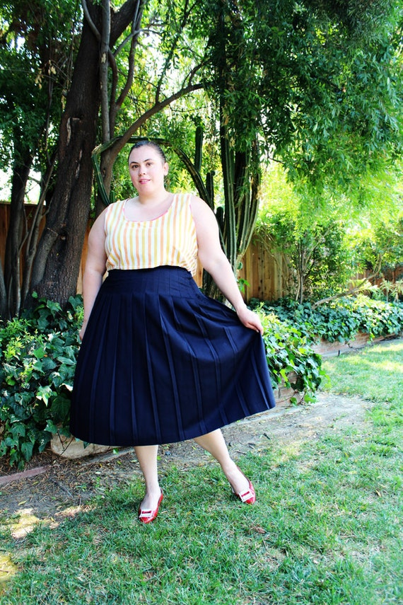 Plus Size - Vintage Navy Pleated Midi Skirt (Size 20W)