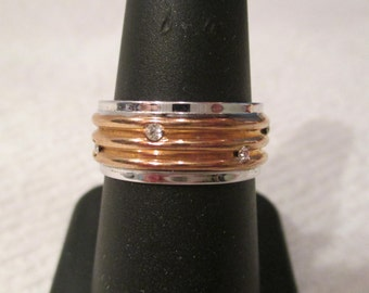 New 18k White & Yellow Gold Electroplated Ribbed Crystal Ring Size 7 VINTAGE OLD STOCK wedding band thick heavy Wide eternity band stars