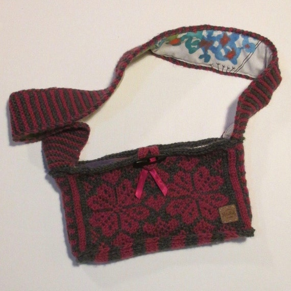 Knitting Pattern Evening Bag : Knitted small evening bag with shoulder strap by Millamull ...