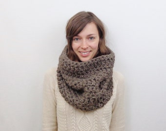 Knit Cowl Scarf Chunky Wool Cowl | THE BERLIN