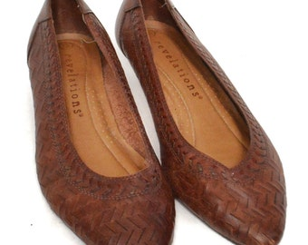 Vintage 90s Revelations Leather Slip On Pointed Toe Flats Small Heel Shoes S 7.5