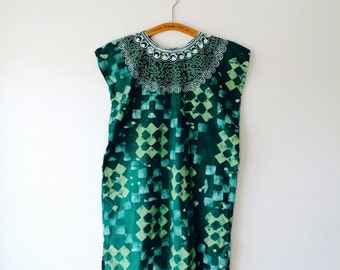 Vibrant green batik Indian cotton midi box dress with embroidered neckline. Fita a size Small / medium