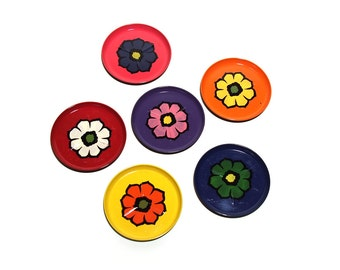 Coaster set, plastic, flower / floral pattern. Beautiful retro bright colours, 70s.