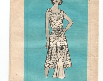 9133 Marian Martin Sewing Pattern Back Wrap Dress Size 12 34B Vintage 1970s Mail Order