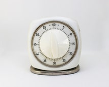 Vintage White and Chrome Mechanical Wind-up  Kitchen Clock Timer, Germany - Working