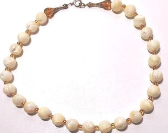 VIntage, Natural 12 mm mother of pearl 18-inch necklace