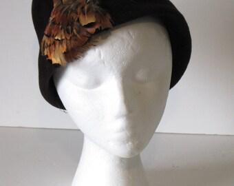 Vintage Women's Brown Feather Cloche Hat
