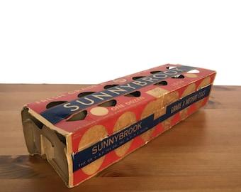Vintage cardboard egg carton self locking paper packaging Sunnybrook