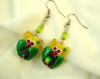 Yellow green polymer clay fimo owl earrings, Handmade little owl fantasy modern jewelry, Cute forest creature kawaii, Bird wing accessories