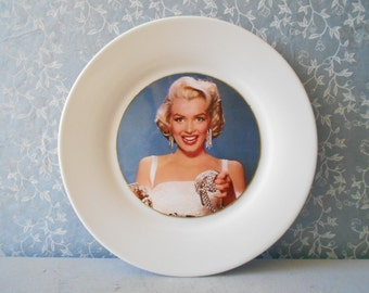 Marilyn Monroe vintage decorative plate, Marilyn plate, Diamonds are a girl's best friend wall hanging decor. Gentlemen prefer blondes.
