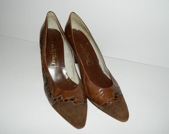 Retro 1980s Evan Picone Brown Leather Suede Pumps with Reptile Detail US Size 9 Made in Spain