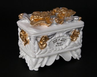 Gold and silver leaf box code (OR 520)