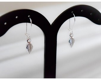 Lovely Delicate Sterling Silver Leaf Design Drop Earrings