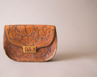 vintage 1950s purse / 50s tooled leather clutch /