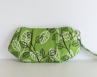 Zippered Pleated Wristlet