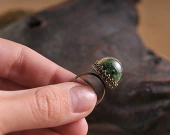 Moss ring, nature ring, green moss ring, adjustable ring, statement ring, antique brass ring, nature jewelry, filigree ring
