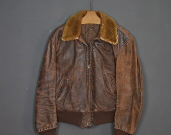 Vintage 60s leather distressed patina brown jacket with fur collar - made in USA