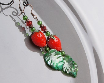 Strawberry lampwork earrings, glass berry earrings, red earrings, fruit earrings, nature earrings, cute earrings, red green earrings