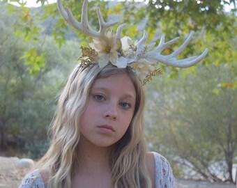 Deer Antler Christmas Headband - Reindeer Floral Photo Prop - Boho Christmas Photo Prop - Antlers with Ivory & Gold - Boho Christmas Halo