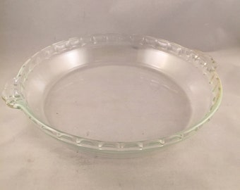 """Vintage Pyrex Fluted Pie Plate #229 9-1/2"""""""