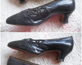Edwardian beaded shoes, black glace leather