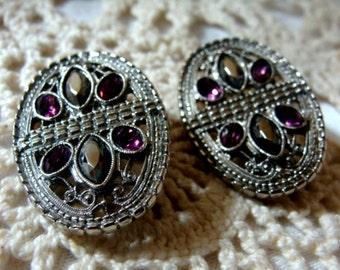 Jewel Vintage Clipped Metal Earrings