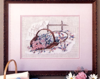 Wedding Ring Bouquet cross stitch pattern by Paula Vaughan - Leisure Arts Leaflet 493 | Craft Book