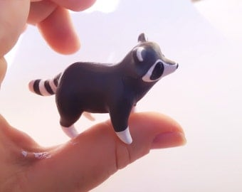 raton laveur-figurine-Raccoon Figure-Raccoon Sculpture -Little Raccoon-Raccoon Totem-Animal Figure -Animal Sculpture-Pocket Totem